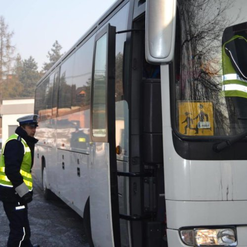 Nietrzeźwy kierujący autobusem chciał przewozić dzieci na wycieczkę