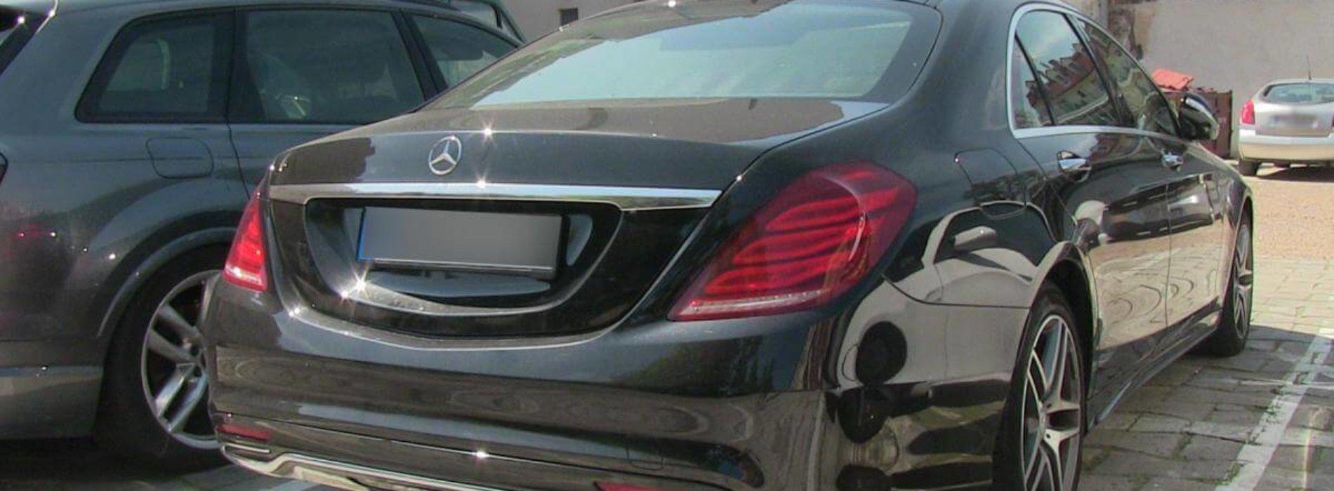 Funkcjonariusze odzyskali skradzionego we Francji mercedesa klasy S, wartego 0,5 mln złotych i zatrzymali sprawcę tej kradzieży z włamaniem
