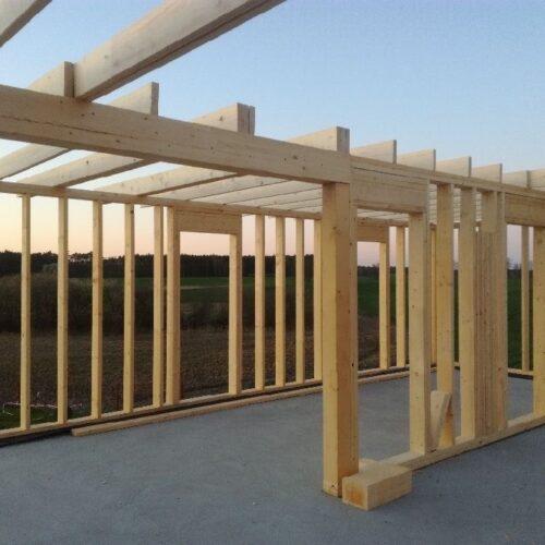 Dlaczego suszone drewno konstrukcyjne jest najlepszym wyborem?