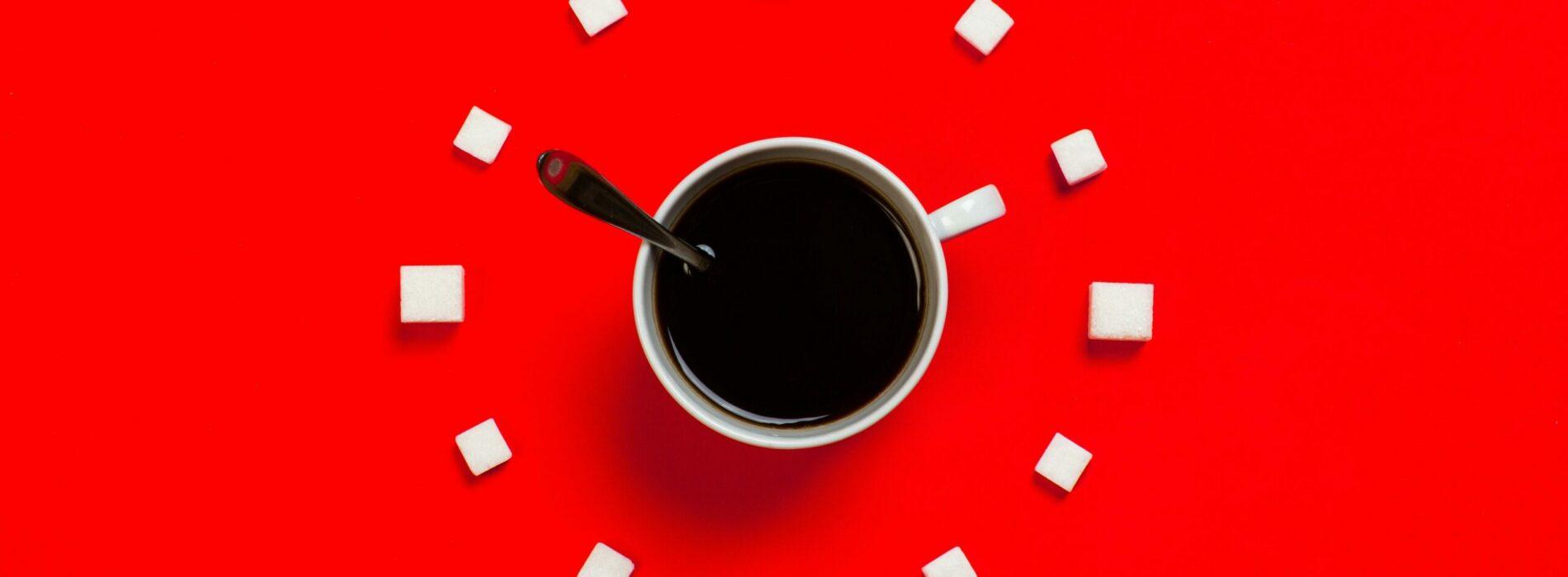 Kofeina i jej wpływ na mózg i funkcje poznawcze